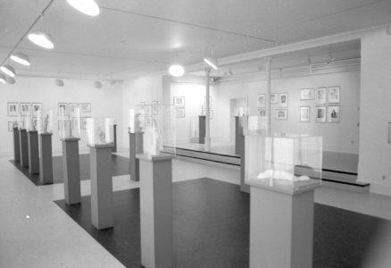 Billede fra udstillingen rare former i 1993
